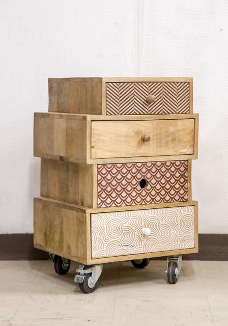 Meuble d 39 appoint design multi tiroirs sur roulettes - Meuble bout de canape ...