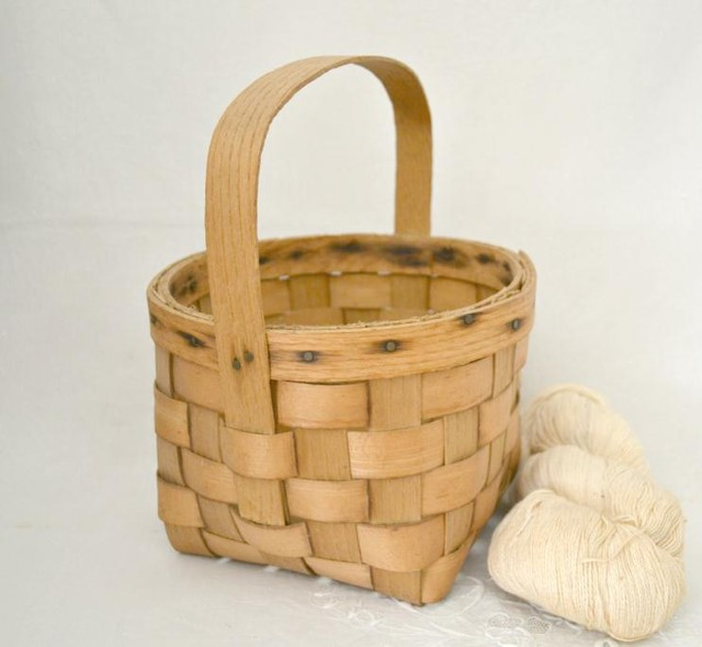 Farm Egg Basket - Traditional - Baskets