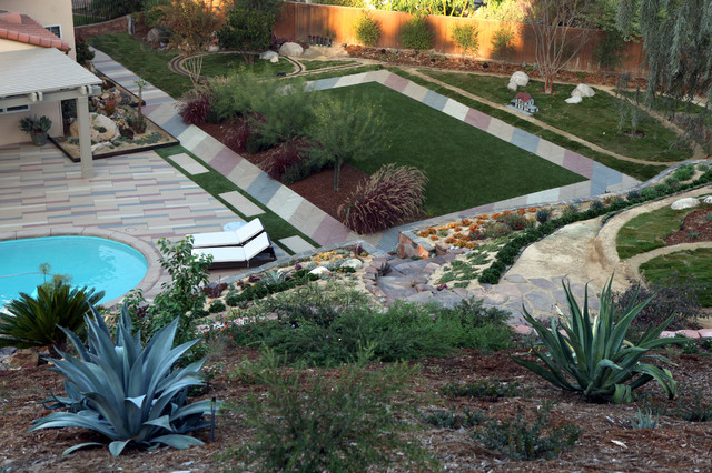Slope landscape and garden ideas mediterranean for Houzz landscape architects