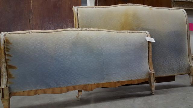 beds classique t te de lit autres p rim tres par carlyle design. Black Bedroom Furniture Sets. Home Design Ideas