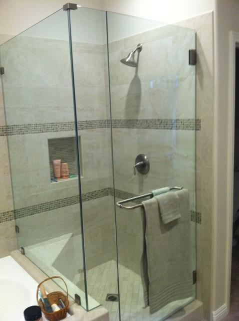 Romantic bathrooms - Salle de bain classique chic ...