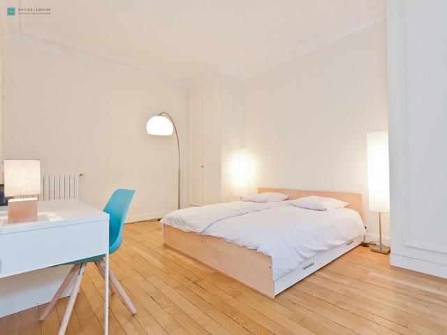 chambre d 39 enfant dans un appartement haussmannien transitional kids other metro by. Black Bedroom Furniture Sets. Home Design Ideas
