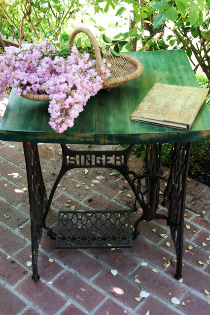 Little Furniture Lady: Antique Iron Singer Sewing Machine ...