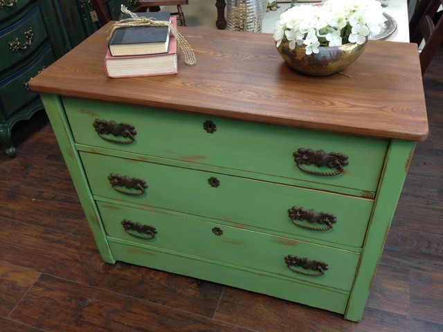 painted vintage chest of drawers 2
