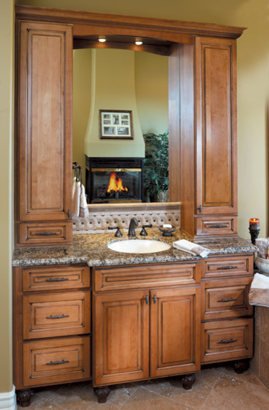 Canyon creek cornerstone canterbury in alder in hazelnut for Canyon creek kitchen cabinets