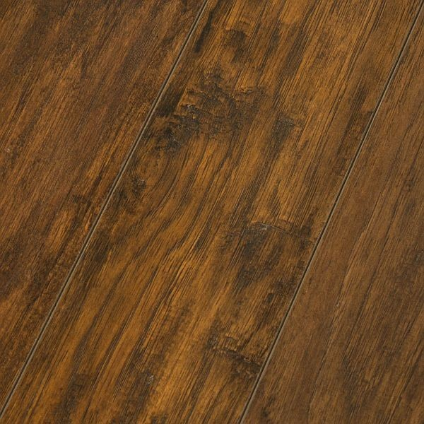 Inhaus timeless impressions shenandoah hickory 8mm for Inhaus laminate flooring