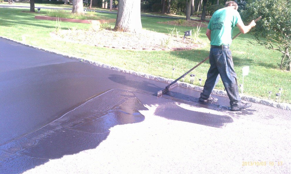 How to Properly Paint Your Driveway