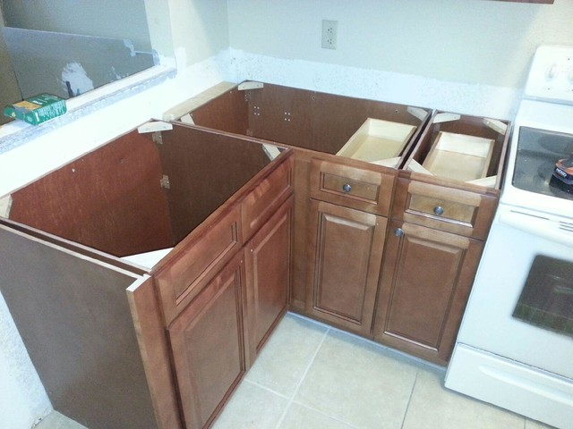 Casselberry cabinets for less traditional orlando for Cabinets for less