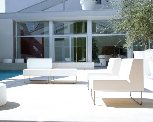Pedrali host lounge modern outdoor chaise lounges for Chaise lounge chicago