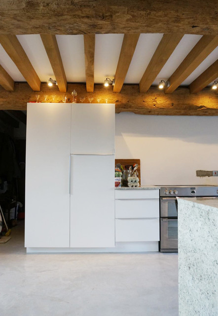 Listed Barn Contemporary Kitchen South West By O2i Design Ltd
