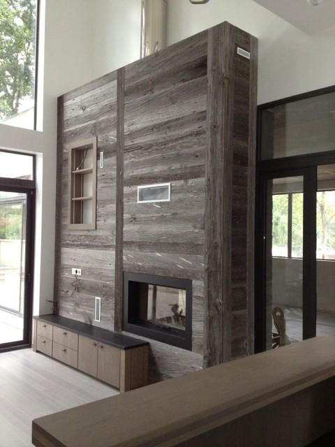 Projet 1 projet agencement en bardage brut et vieux bois - Salon bois moderne ...