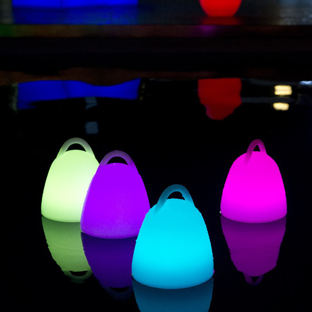 Baladeuse lumineuse autonome liberty multicolore for Lampe exterieure contemporaine
