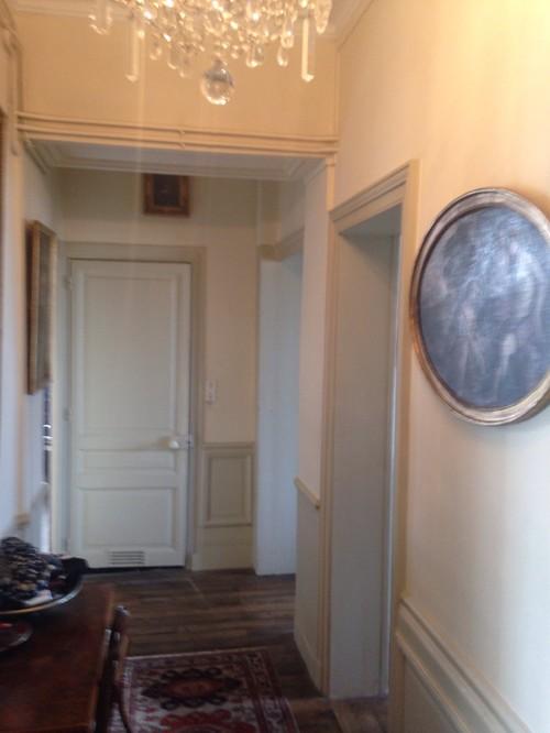 Couleur peinture couloir for Couleur moderne pour couloir