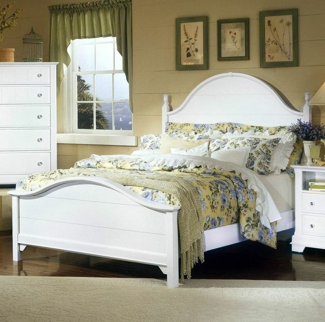 california king panel bed vaughan bassett. Black Bedroom Furniture Sets. Home Design Ideas