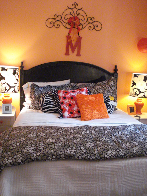 Grils bedroom orange red black white for Black white and orange bedroom