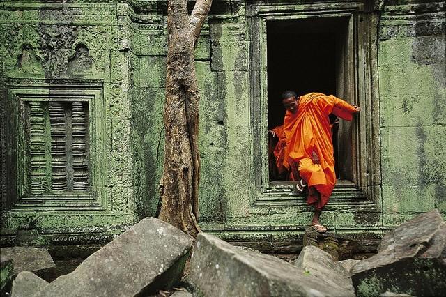 Monk at Angkor Wat Buddhist Temple Wallpaper Wall Mural ...