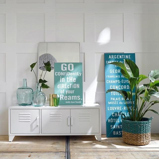 meuble tv style indus 3 portes blanc mat hiba contemporain solution m dia et meuble tv. Black Bedroom Furniture Sets. Home Design Ideas