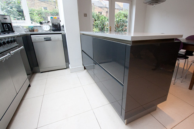Dark grey kitchen modern kitchen london by lwk for Modern kitchen london
