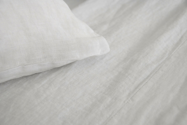 Claire White Standard Frenchback Cases (Pr) - Area Inc. - Scandinavian - Pillowcases And Shams ...