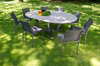 Hegoa contemporain ensemble table et chaises de jardin for Table exterieur metro