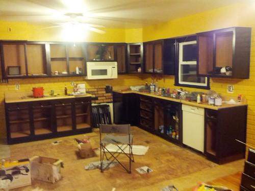 Single bachelor kitchen colors help for Bachelor kitchen ideas