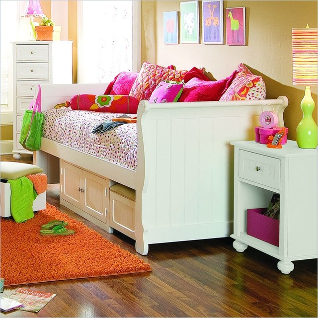 Lea my style wood daybed with storage unit traditional Daybeds with storage