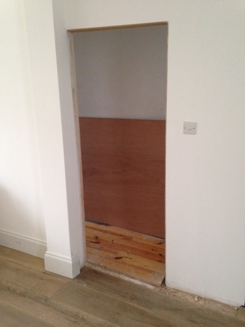 No architraves with skirting help for Door architrave