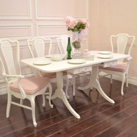 Elegant Dining Table With Drop Leafs Wings And One Leaf