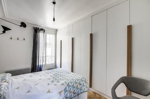 Placard dans une chambre portes coulissantes ou battantes - Placard integre chambre ...