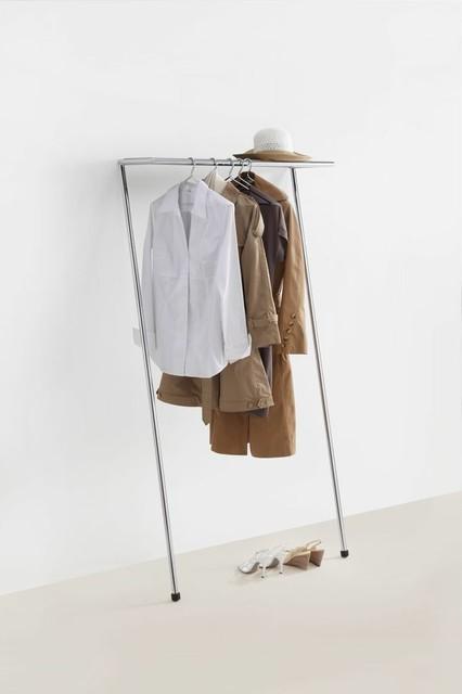mox zen anlehngarderobe modern kleiderst nder von connox. Black Bedroom Furniture Sets. Home Design Ideas