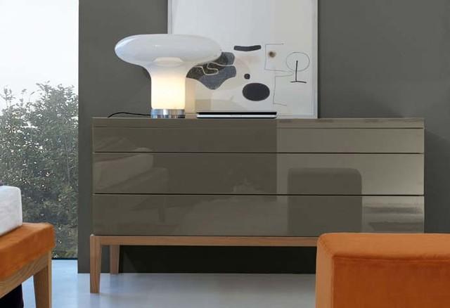 Jesse 39 de ville 39 contemporary bedroom furniture sets for Furniture ville