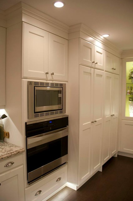 Classic and traditional kitchens for Classic kitchen cabinets toronto
