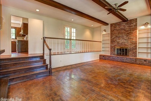 Living Room Floor With Railing
