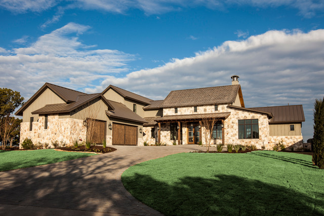 Southern living showcase home austin by silverton for Custom lake homes
