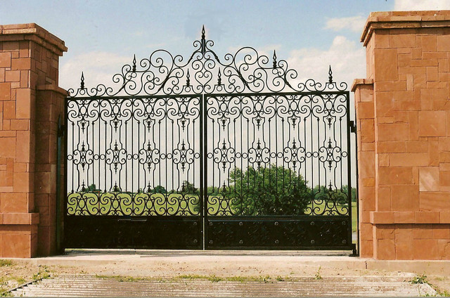 Custom Iron Entry Gate Traditional Houston By Ross