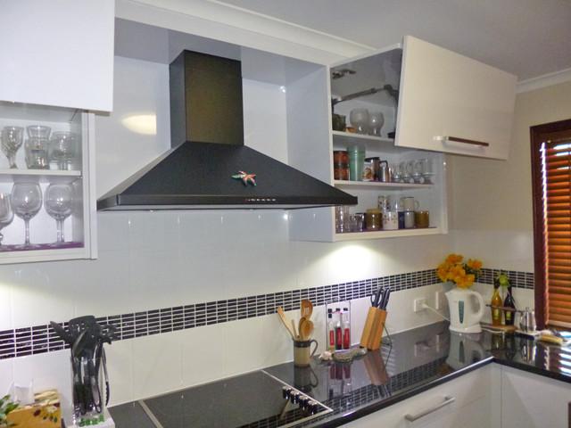 Kitchen Splashback  Modern  brisbane  by Haddon Kitchens & Cabinets