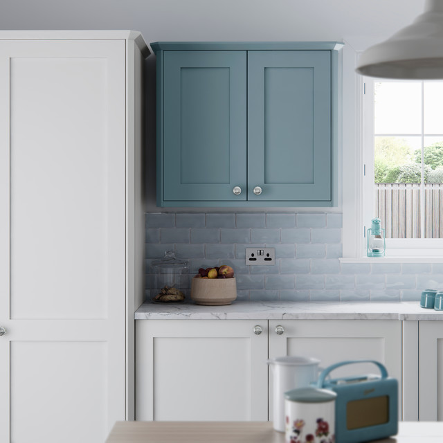 Farringdon Shaker Smooth Painted Kitchen In Porcelain And Winter Teal