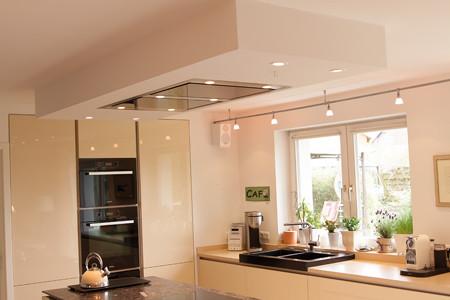designerk che. Black Bedroom Furniture Sets. Home Design Ideas