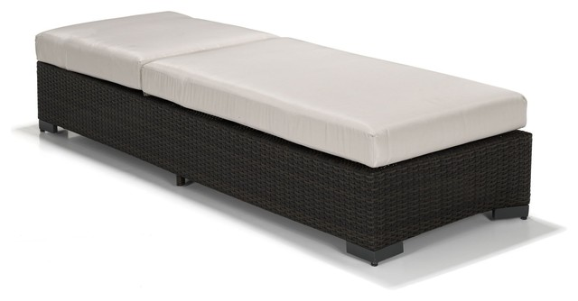 carnot bain de soleil en r sine tress e avec matelas contemporary outdoor chaise lounges. Black Bedroom Furniture Sets. Home Design Ideas