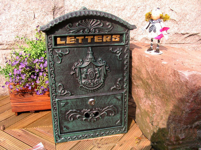 Victorian Style Wall Mounted Cast Iron Mailboxes Weight 12lb Verde