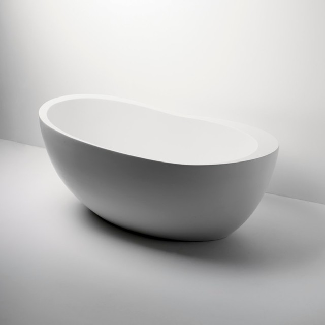 Freestanding oval composite bathtub modern bathtubs for Modern bathroom with tub