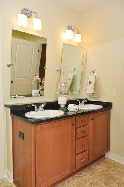 Signature homes master bathroom at chace lake for Bathroom builders birmingham
