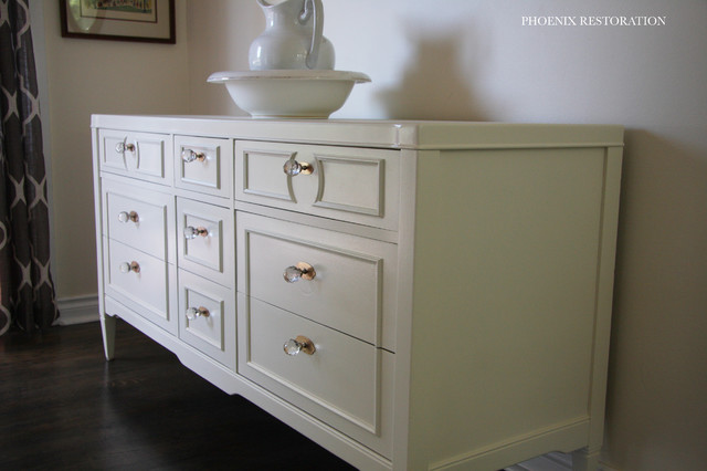 Drexel 9 drawer dresser buffet in antique white for Furniture refinishing seattle