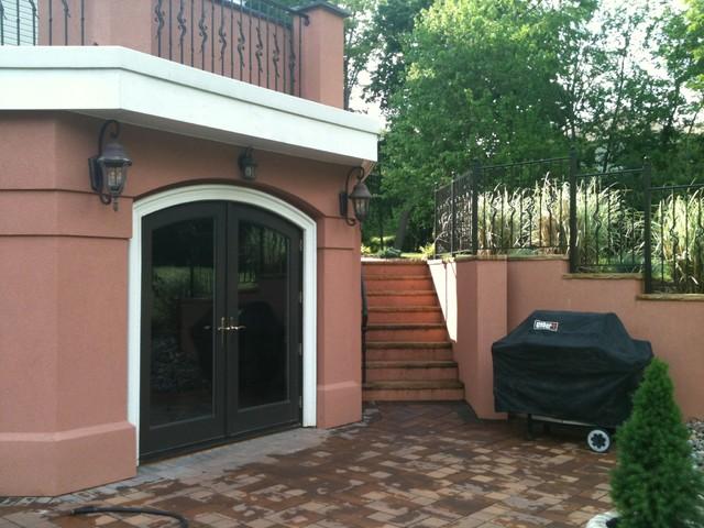 Basement walk out doors for Walkout basement door options