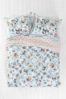 plum bow olivia duvet cover modern bettbez ge von urban outfitters. Black Bedroom Furniture Sets. Home Design Ideas