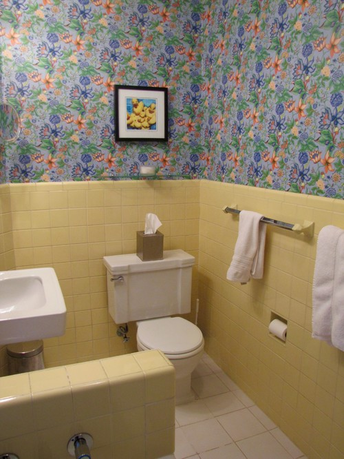 Vintage Yellow Tile Bathroom
