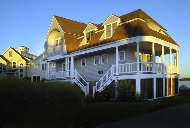 Exteriors new england ocean front toronto par for Ocean front home designs