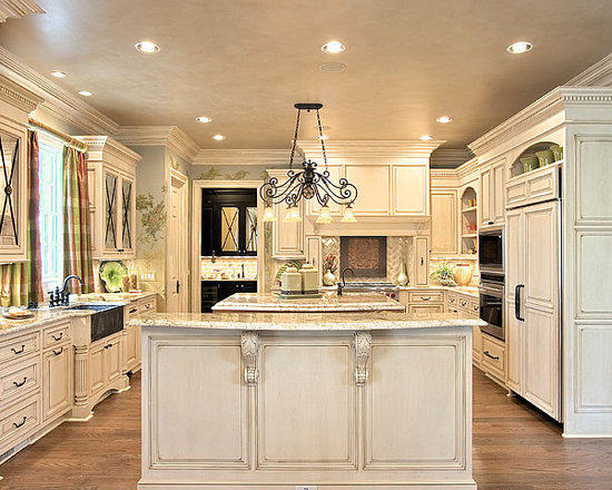 1,255 Traditional Kitchen Design Photos with Distressed Cabinets and