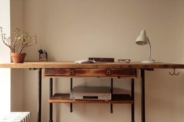 Desk Six