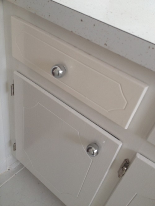 What paint color for a bathroom that has white Formica countertops wit